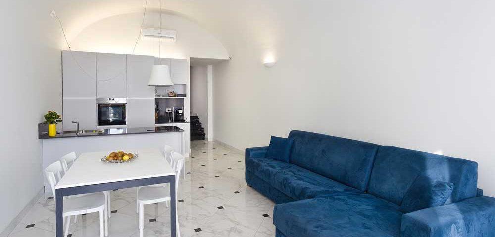 Ristrutturazione completa con finiture di Pregio di casa Vista Mare 80 mq - Loano